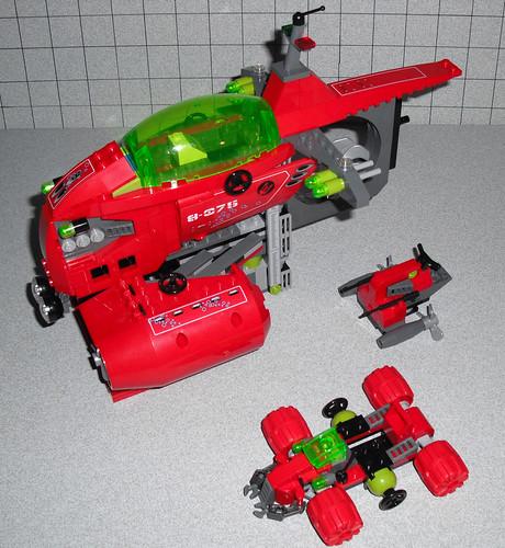 2010 LEGO Atlantis 8075 Neptune Carrier