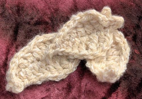 Knotty Wrap, leaf detail
