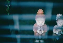 (David Bivins) Tags: 110 64 figurines shutter kodachrome wideopen canoneos1v k64 autaut davidbivins 200912
