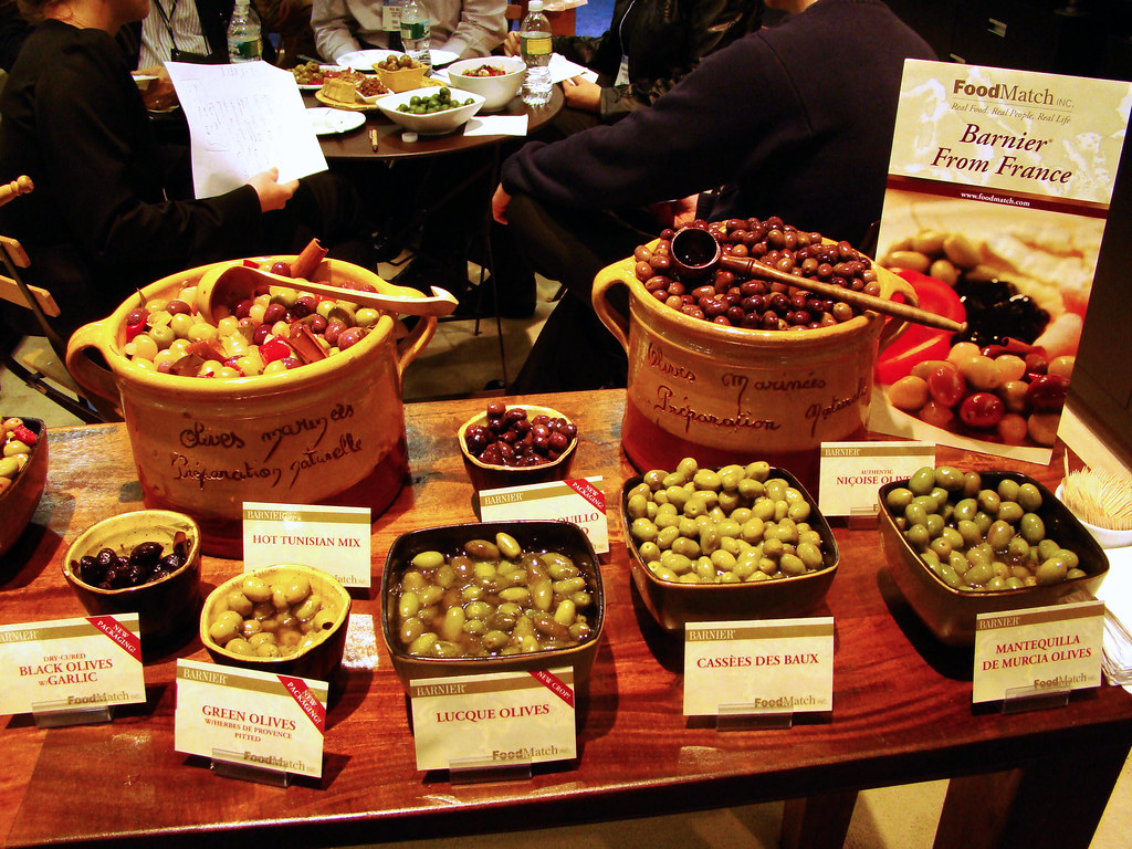 DSC04359 FoodMatch olive display