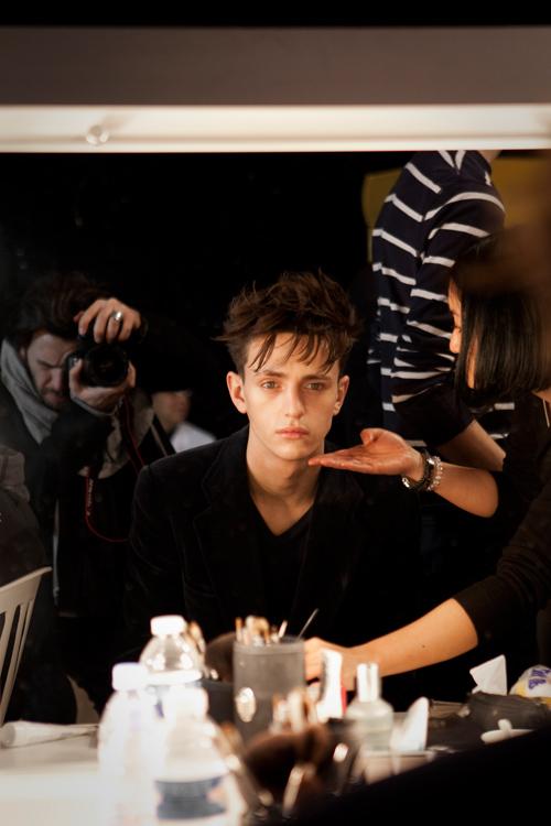 Dior homme, bakstages, mannequin