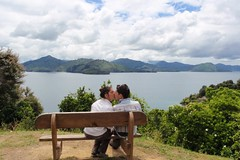 Bisous devant les Marlborough Sounds