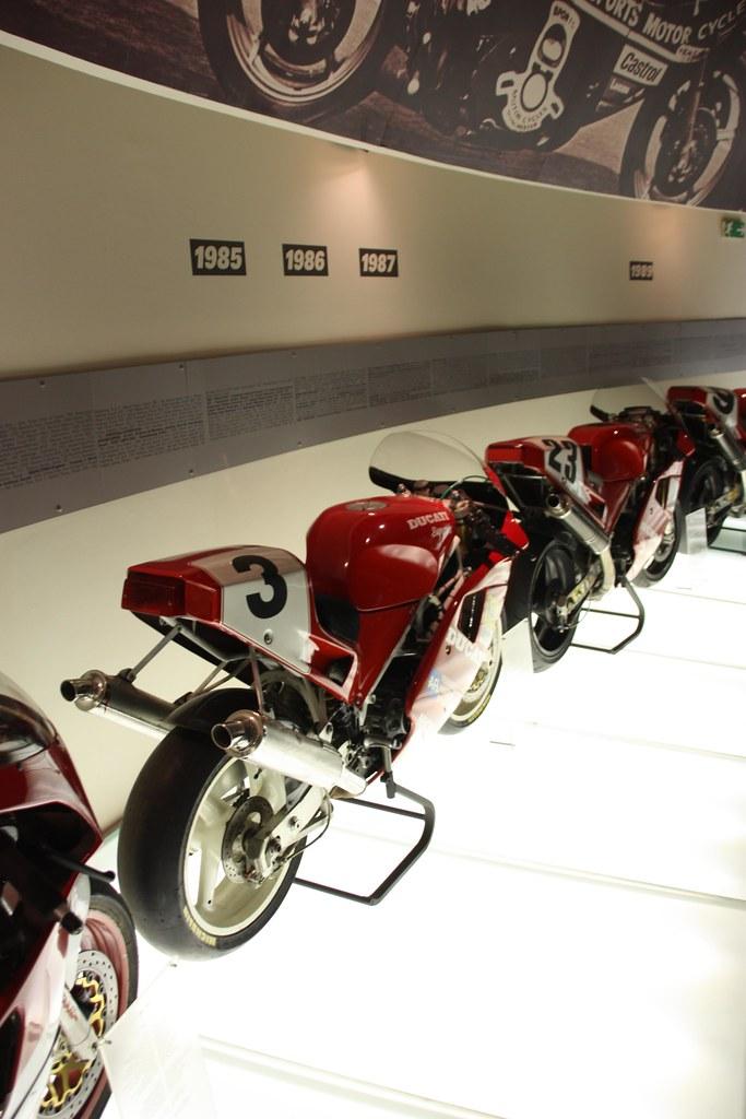 Ducati 851-888 4334573446_7964cf3fe5_b