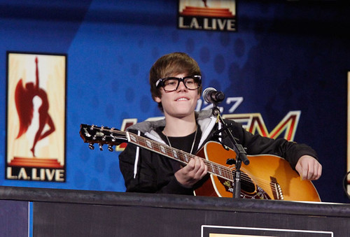 JUSTIN BIEBER WITH GEEKY GLASSES