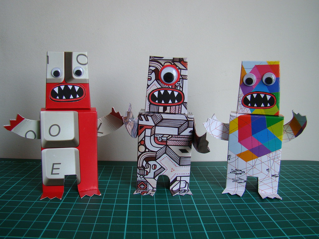 FREE POSTCARD PAPERTOY PROJECT