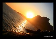 (Liz Carvalho Tumminelli) Tags: ocean sunset sea brazil sun sol brasil riodejaneiro backlight canon contraluz mar rj prdosol oceano soconrado pedradagavea praiadopepino robertotumminelli lizcarvalho paulistascariocas