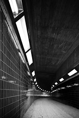 Tunnel BW (96dpi) Tags: bw berlin monochrome underpass sw icc unterfhrung tiltshift internationalescongresscentrum ts17 tse17mm14l