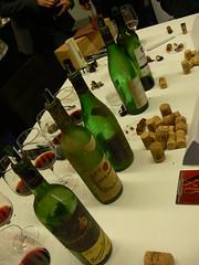 Anàlisi de levolució dels taps i el vi obrint ampolles dels anys 60, 70, 80 i 90
