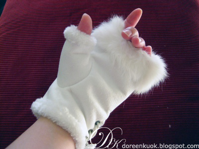 Fur gloves2