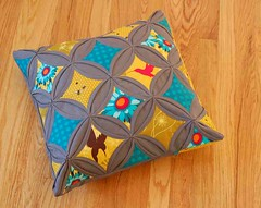 Pillow Talk Swap & Tutorial (.House. of A La Mode) Tags: yellow grey aqua pillow florafauna michael