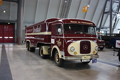 Mercedes-Benz Zugmaschine - Retro Classics (Andy_BB (On Vacation)) Tags: auto show old tractor classic car truck vintage mercedes automobile stuttgart antique voiture international camion coche vehicle oldtimer motor veteran  macchina coches bagnole vieux ausstellung 2010 automvil lkw austellung tacot anciennes exhibiton camions  zugmaschine retroclassics voitureancienne    sattelzug cochedepoca  loych  retroclassicsstuttgart worldtruck