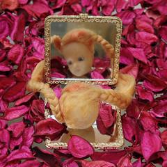 rim-PHOTO-1971 (Noureddine EL HANI) Tags: dolls poupées