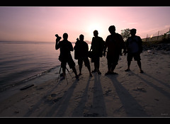 Shuttermates. Who. We. Are. (Mio Marquez) Tags: camera shadow men beach silhouette sunrise canon landscape photography singapore angle wide photographers punggol dslr ultra efs 1022 2010 waterscape uwa 40d shuttermates mmarquez