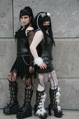 2010-03-20 S9 JB 21019 120# (cosplay shooter) Tags: anime comics costume comic cosplay manga leipzig convention cosplayer cybergoth rollenspiel 2010 roleplay lbm gothicgirl leipzigerbuchmesse 2500z 201003 x201504