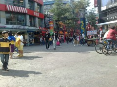 Crowd on the streets at Ximending