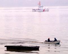 Float Rescue, Hudson River, Edgewater, New Jersey (jag9889) Tags: city nyc rescue ny newyork marina work coast boat wpb us newjersey search ship manhattan homelandsecurity guard nj hudsonriver cutter edgewater lawenforcement washingtonheights uscg ridley wahi lmr uscoastguard workboat bergencounty 07020 zip07020 87328 y2010 livingmarineresources wpb87328 jag9889