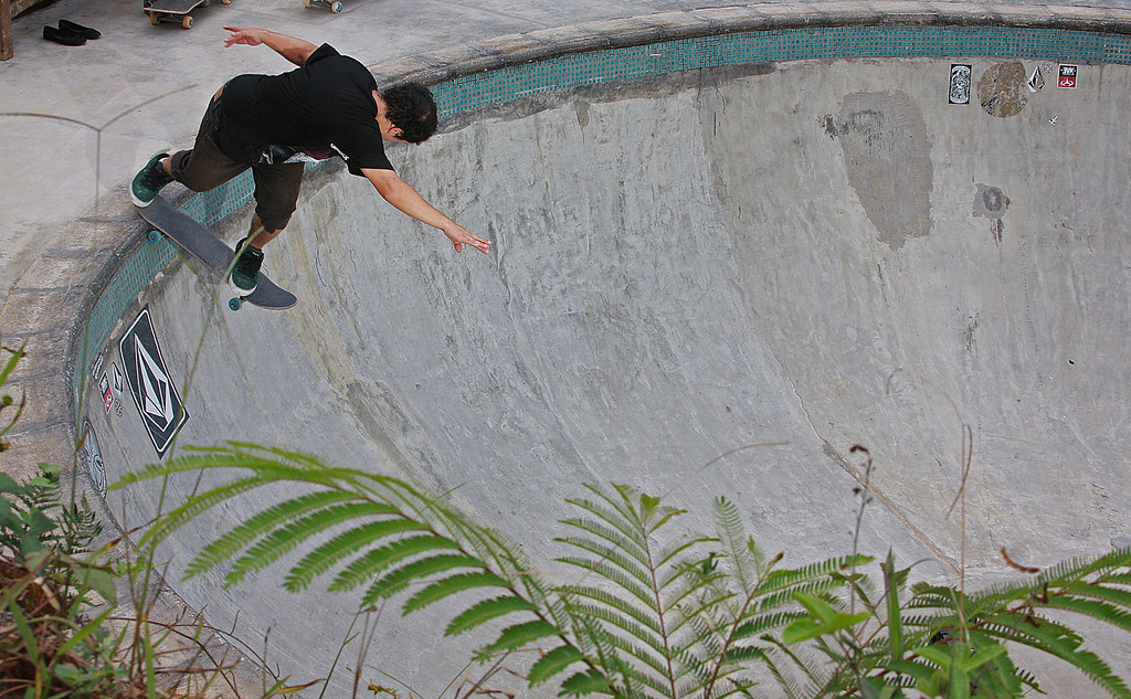 Carlos Andrade - backside tailslide
