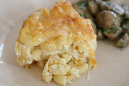 Nancy Reagan's macaroni and cheese / Reaganite makaronivorm