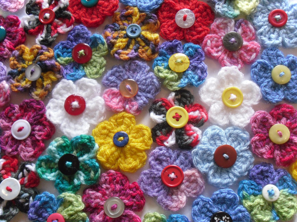 Crochet button on flower pattern dancox for nets pets handmade creatures and curios 5 petal crochet button on flower pattern dt1010fo