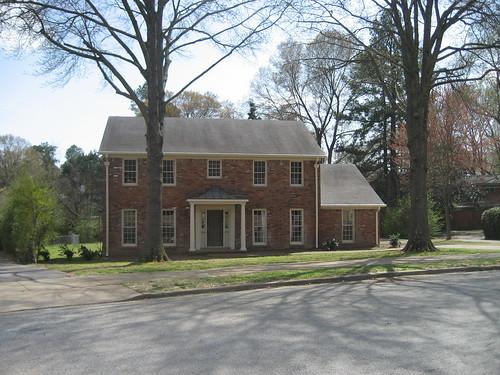 Exterior Front - yard & facade d