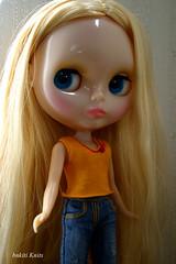 Blythe, Orange knit