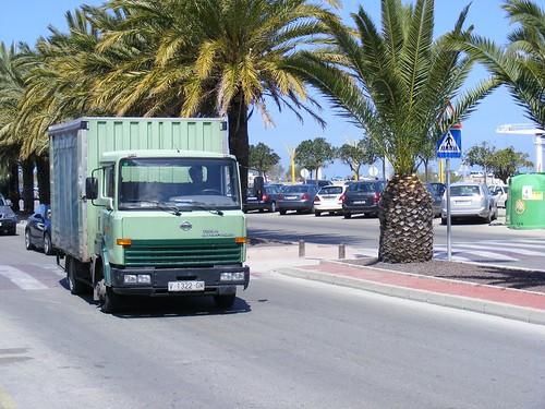 Nissan Trucks 2010. Nissan Atleon Turbo
