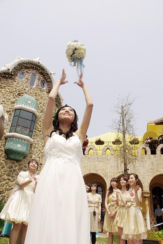 *olivia wedding*