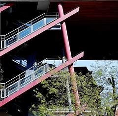 3 - 19 avril 2010 Paris 80 avenue Parmentier Escalier (melina1965) Tags: trees paris tree stairs nikon stair ledefrance faades arbres april avril arbre escalier faade 2010 escaliers smrgsbord 75011 11mearrondissement d80 royalgroup escaliersstaircases umbralaward