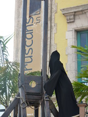 Miami (bunnygoth) Tags: museum florida miami exhibit torture guillotine freedomtower