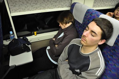 Durmiendo en el Shinkansen
