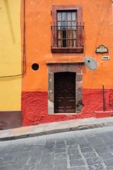 _ND39328 (Vilhelm Sjostrom) Tags: door color detail building wall de mexico saturated puerta saturation sanmigueldeallende submit doorsandwindows puertasyventanas elmurosnoshablan thewallsspeaktous