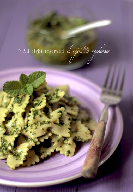 pesto di spinaci, menta e mandorle