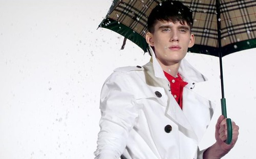 Sebastian Brice0010_Burberry April Showers SS2010_