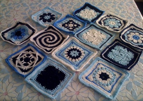 Thanks Denise (France) such beautiful Blue and White Squares for our Challenge to come!