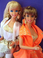 Hollywood Hair Barbie & Teresa (Chicomttel) Tags: hair barbie hollywood teresa 1992 mattel inc