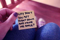 Make me smile :) (Honey Pie!) Tags: love smile handwriting amor nail postit note amour converse sorriso ameliepoulain allstar unha poulain amliepoulain