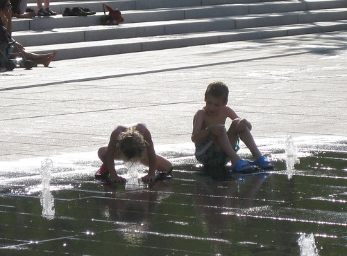 fountain kids