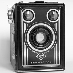 My Agfa Synchro-Box (Images George Rex) Tags: camera germany cameras artdeco nikkor50mmf18 agfa boxcamera agfasynchrobox synchrobox 19518 artsdécoratifs grxa23 imagesgeorgerex photobygeorgerex