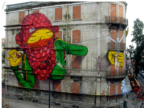 os gemeos x blu in portugal (by code is mental)