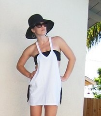 Cotton T-shirt bathing suit cover-up-DIY-pool-1contrast, easy t shirt diy, deconstruct a t shirt, oversized T-shirt, cute bathing suit cover up, summer diy, summer slub, beach cover-up, black hat, chic diy, easy diys, do it yourself fashion, cut up a t shirt