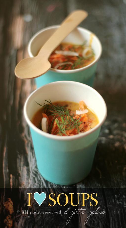 Zuppetta fredda di carote, fragole, cipollotto e latte di cocco