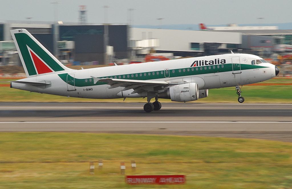 Alitalia Airbus A319-112; I-BIMO@LHR;05. by Aero Icarus, on Flickr