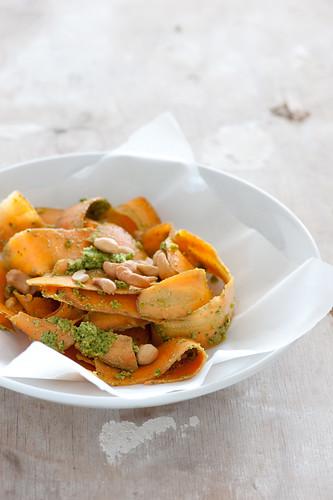 carrot salad with pesto dressing