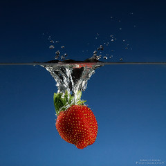 strawberry splash (baummarco) Tags: strawberry impact splash 70200 highspeed erdbeere watersplash strobist canoneos450d canon430ez 430exii canon702004lisusm canon430exii yongnuoyn460 yongnuorf602