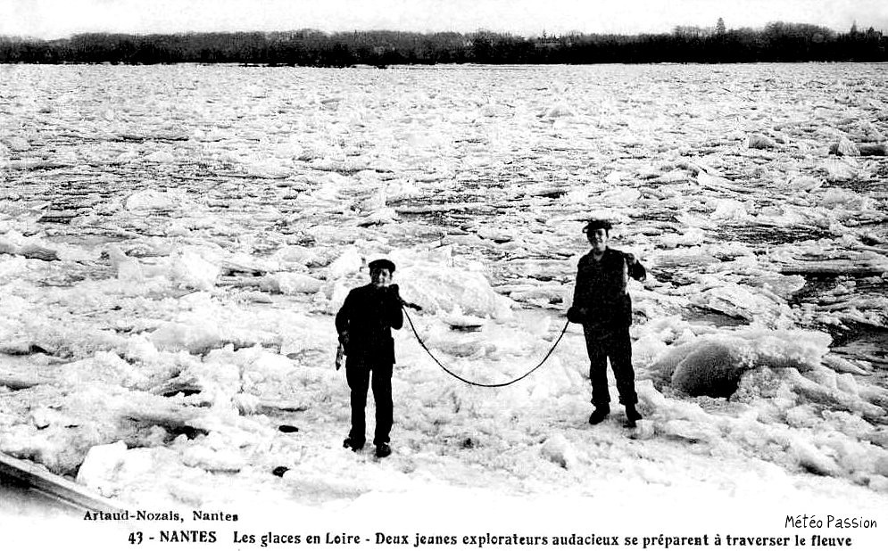 traversée sur les glaces de la Loire gelée à Nantes en janvier 1914