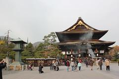 Main building of Zenkoji temple / 善光寺本堂