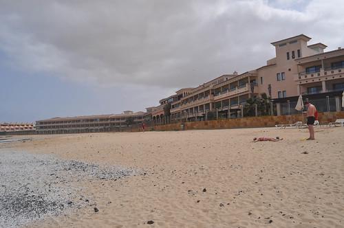 Vista exterior del Hotel esde la playa
