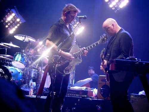 Photo of a live performance of Them Crooked Vultures