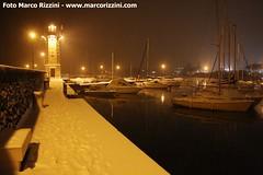 Porto di Desenzano del Garda con neve