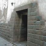 Cusco: Portada Inka de doble jamba, en una de las calles del Cusco antiguo